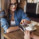 More restaurants are going cashless to appeal to customers' need for speed.