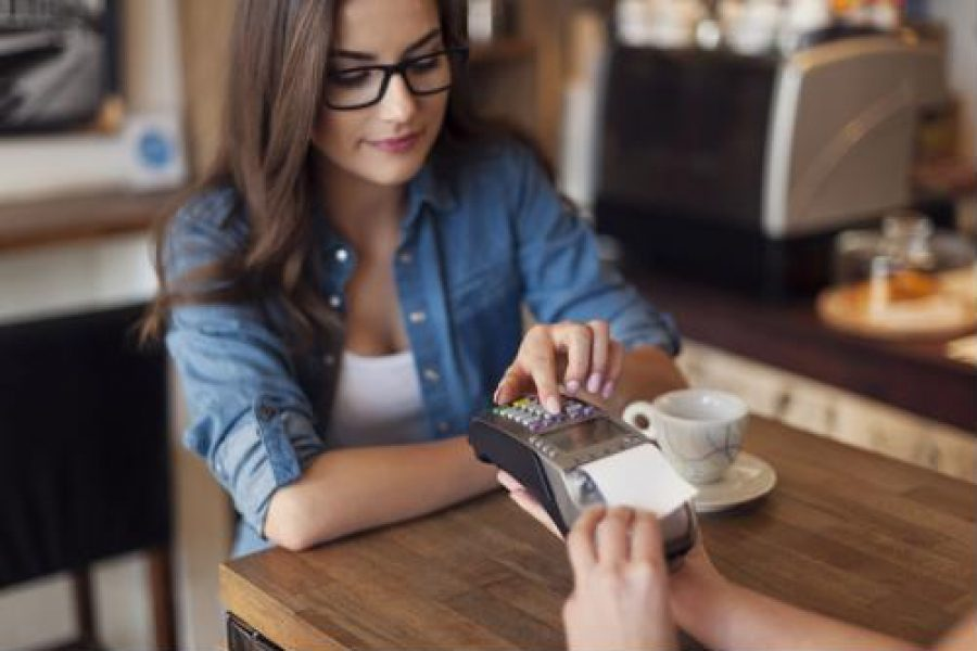 More restaurants going cashless to make service better, quicker