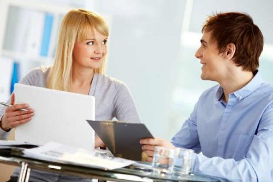 3 advantages of hiring an outside recruiting firm
