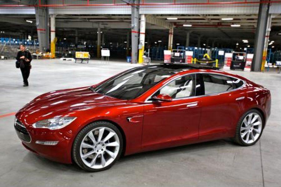 Tesla announces self-driving car rollout before 2019's end